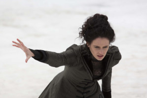 Vanessa-Ives-in-snow-Penny-Dreadful-2x01-e1430718582977