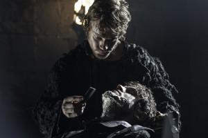 Theon-Greyjoy-Reek-Played-Alfie-Allen