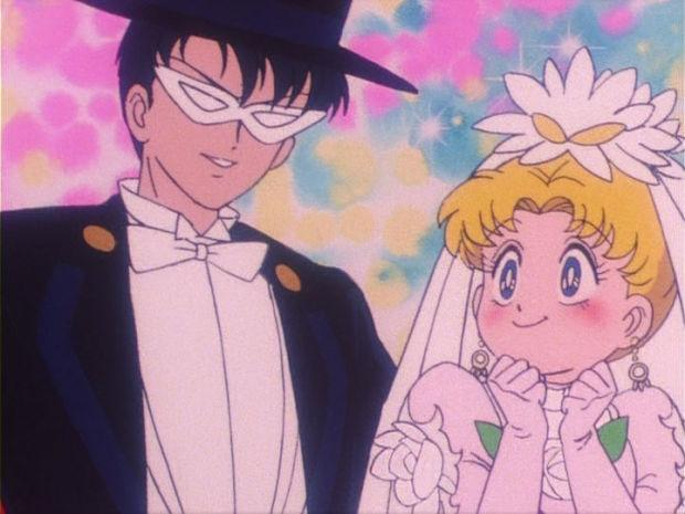 sailor_moon_episode_16_tuxedo_mask_and_usagi_getting_married_opt