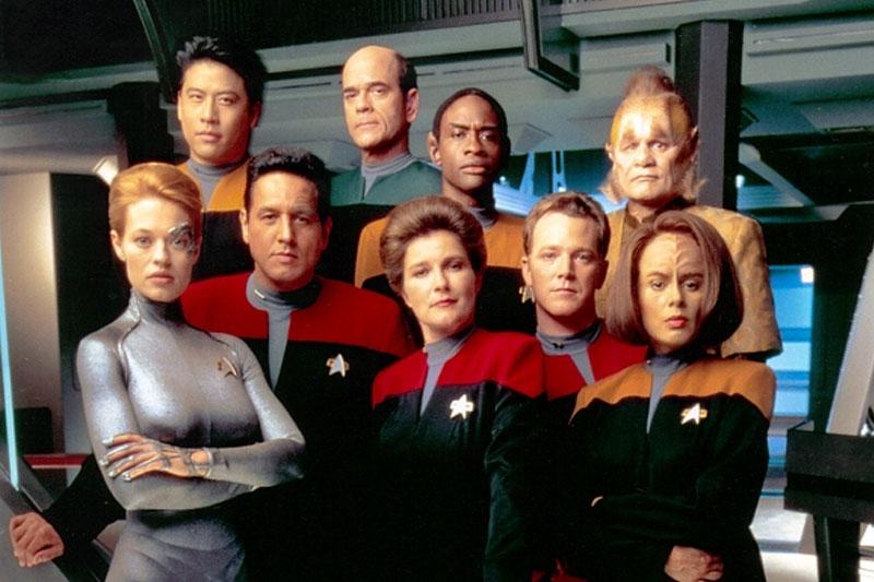 star-trek-voyager-cast-2000