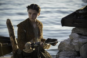 Arya-pulls-Needle-out-of-the-rock-Official-HBO